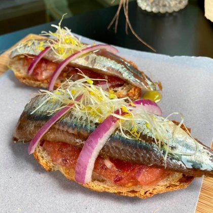 tosta-de-anchoa